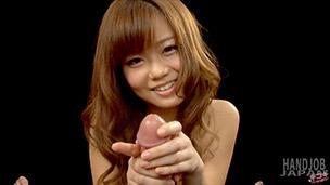 Nao Shiraishi Handjob
