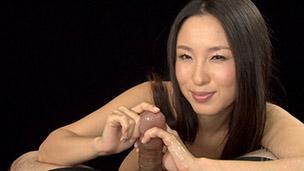 Sakura Anna Handjob