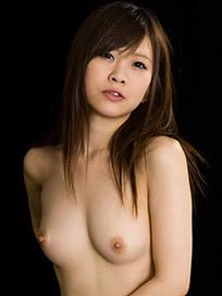 Mio Arisaka Handjob